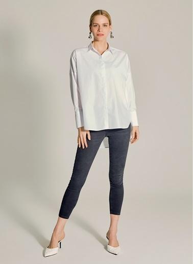 NGSTYLE Geniş Manşetli Oversize Gömlek Beyaz